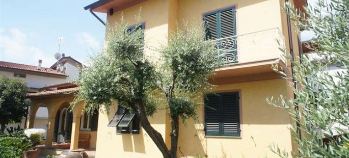 Villa Di Lusso a Montecatini Terme (PT)