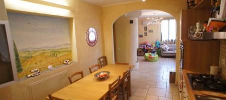 Appartamento Indipendente con Giardino a Marginone (LU)