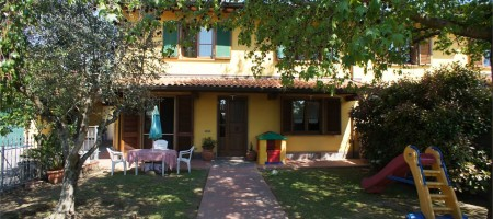 Villa Bifamiliare nel Centro di Chiesina Uzzanese