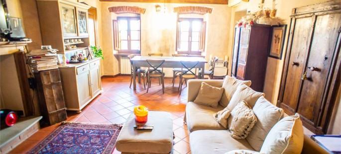 Appartamento in stile rustico, Uzzano (PT)